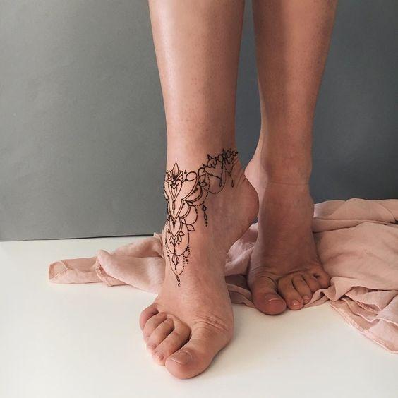 fine ornamental bracelet tattoo